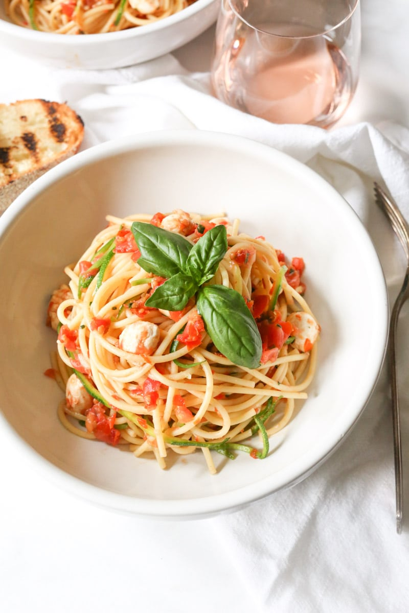 spaghetti-with-zucchini-cherry-tomato-sauce-and-fresh-mozzarella-pearls