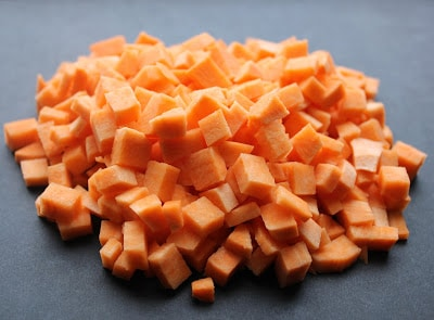 Chopped-sweet-potatoes-for-hash