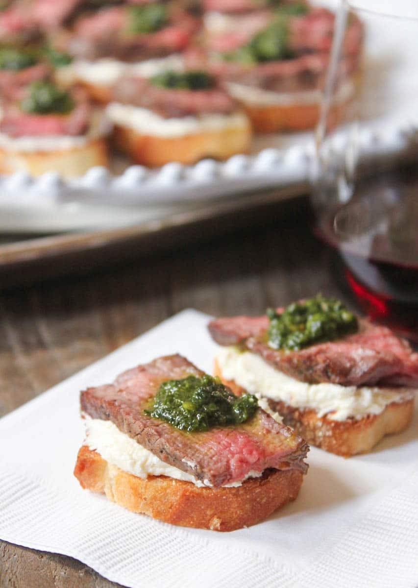 beef-tenderloin-crostini-with-whipped-goat-cheese-and-pesto