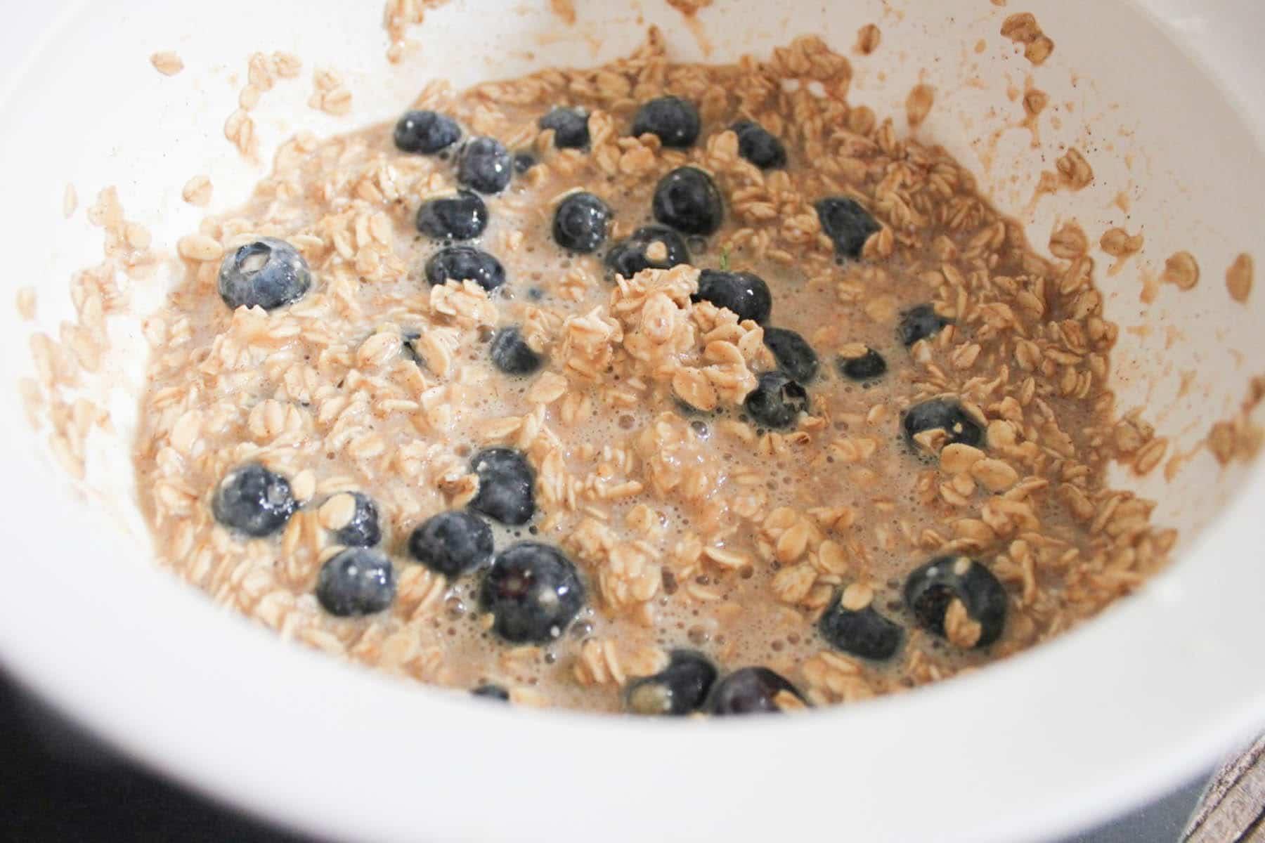 gluten-free-blueberry-banana-baked-oatmeal-bites-step-4